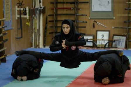 من تدريبات النينجتسو في إحدى نوادي إيران