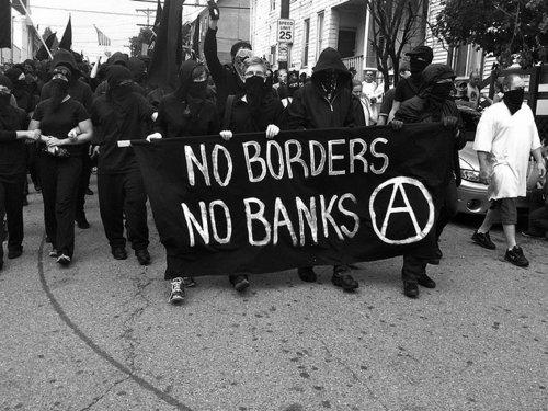 من احتجاج للحركة الأنركية في الولايات المتحدة
