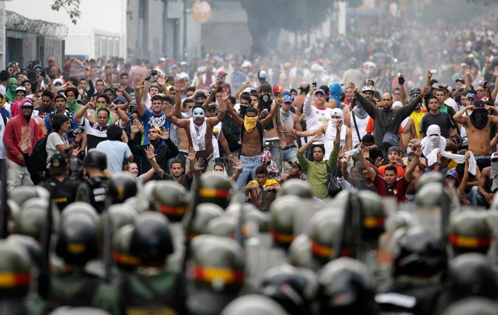 من الاحتجاجات في فنزويلا العام الماضي