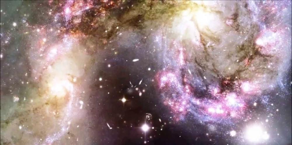 هذا الكون الذي يعيش فينا