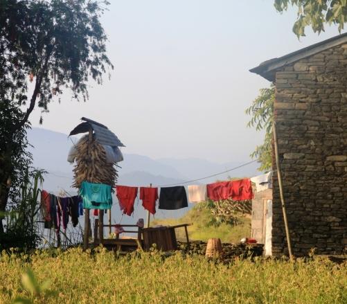من بيوت قرية سارانكوت. الصورة بعدستي.